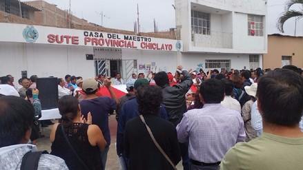 Docentes realizarán plantón por descuentos tras huelga