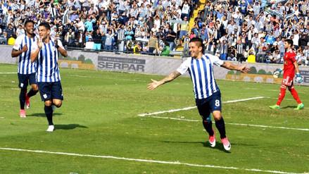 Alianza Lima derrotó 2-1 a Cristal y quedó a uno del líder Garcilaso