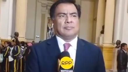 Congresista Javier Velásquez pide se deje sin efecto descuentos a maestros