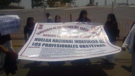 Trujillo: obstetras acatan paro de 48 horas en La Libertad