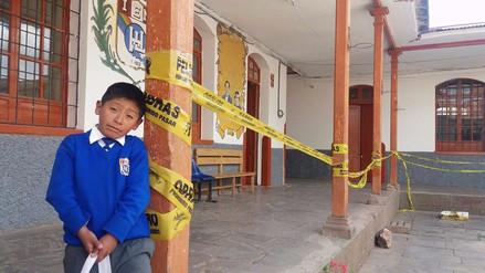 """Escolar que inventó """"Detector de Sismo"""" estudia en colegio declarado de alto riesgo"""