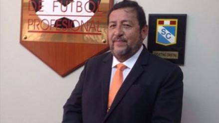 Arturo Vásquez perdió la confianza en el cargo de presidente de la ADFP