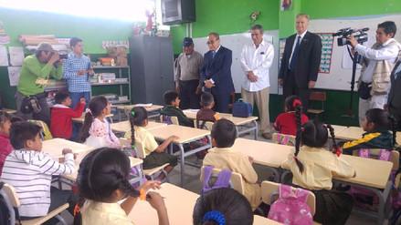 Ministro de Educación exhorta a maestros a continuar año escolar con normalidad