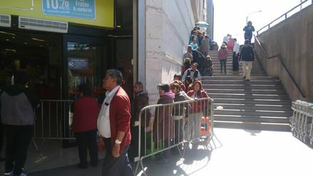 Largas filas para comprar entradas para los partidos de Vóley