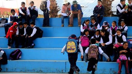 Disponen uso de mochilas de emergencia en colegios de Arequipa