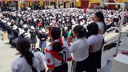 Huancayo: más de mil alumnas realizaron 'flash mob' por Perú