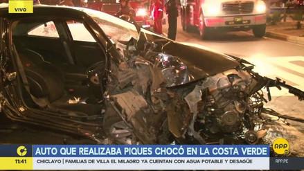 Un coche que participaba en piques ilegales se despistó en la Costa Verde