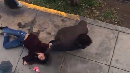Un hombre arrastró a su pareja por la calle y la amenazó de muerte