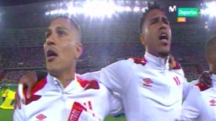 Paolo Guerrero se conmovió cantando el Himno Nacional ante Colombia