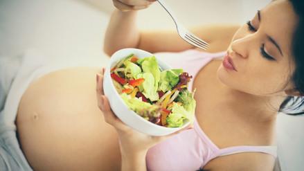 Nutrición en el embarazo: alimentación vs. multivitamínicos