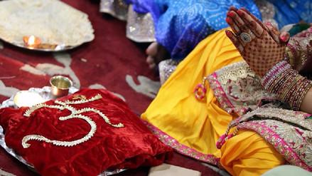 India decreta que tener relaciones sexuales con una esposa menor de 18 años es violación