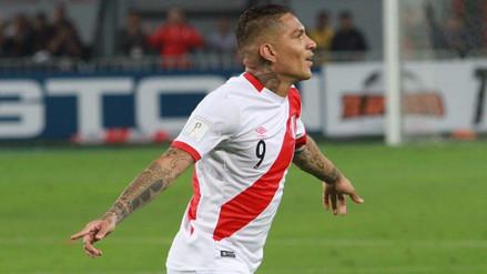 El gol de tiro libre de Paolo Guerrero a Colombia visto a ras de campo