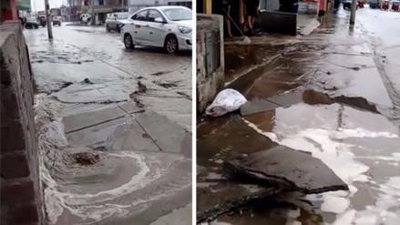 Rotura de tubería de agua potable dejó viviendas inundadas en Villa El Salvador