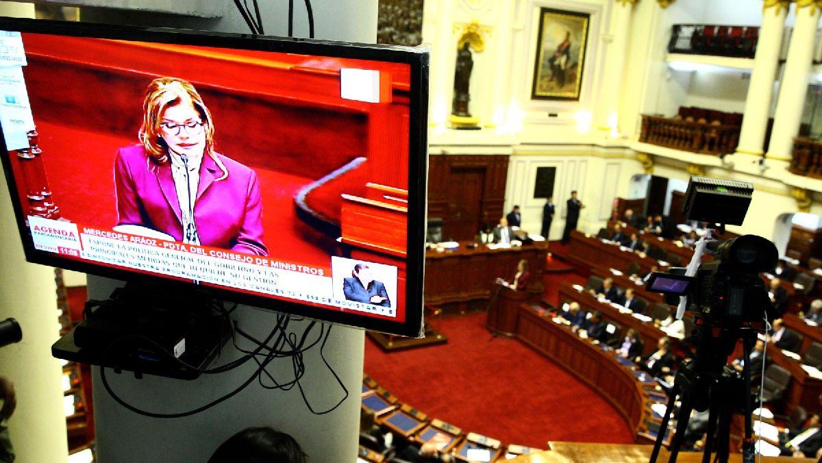 Mercedes Aráoz acude hoy al Congreso en busca del voto de confianza