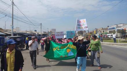 Lambayecanos marchan contra Epsel por agua contaminada