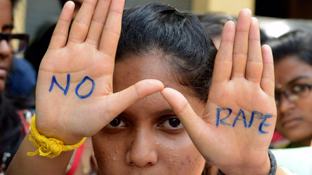 La niña de 10 años, que le negaron abortar, fue violada por dos de sus tíos