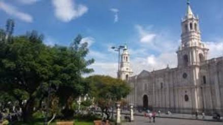 Docentes sentenciados por terrorismo fueron identificados en Arequipa