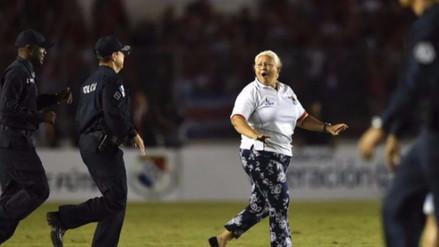 Abuela fingió desmayo para asegurar clasificación de Panamá al Mundial