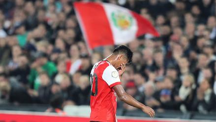 Renato Tapia salió lesionado en duelo del Feyenoord y enciende las alarmas