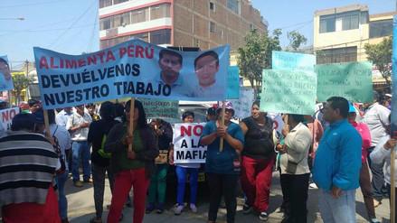 Trabajadores de Tumán protestan por presuntos despidos arbitrarios