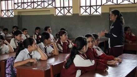 El Gobierno regional de Ica prohíbe dejar tareas para la casa a los escolares