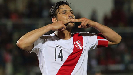 Claudio Pizarro se aferra al sueño de jugar un Mundial con Perú