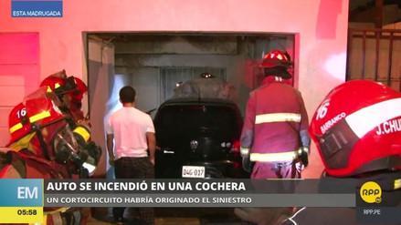 Un automóvil se incendió en una cochera de Barranco