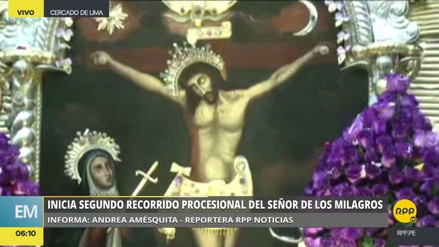 Inició la segunda procesión del Señor de los Milagros de la temporada