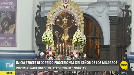 Inició la tercera procesión del Señor de los Milagros