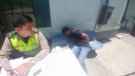 Detienen a sujeto que golpeó y arrebató el celular a una voluntaria