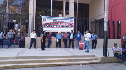 Trabajadores del Poder Judicial de Piura acatan huelga indefinida