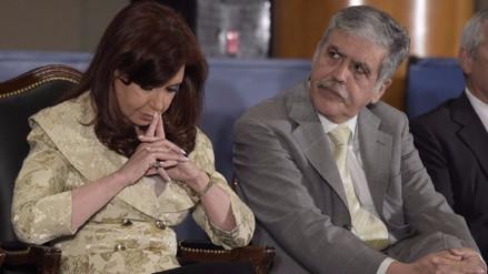 Ex ministro del gobierno kirchnerista se entregó a la justicia argentina tras perder inmunidad