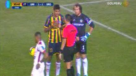 Video | La polémica mano que acabó en penal y gol de Alexi Gómez