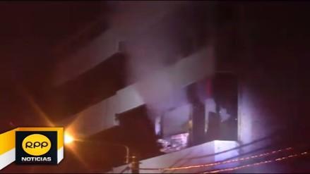 Incendio en almacenes de edificio generó la alerta en el Cusco