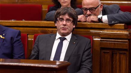Puigdemont descartó elecciones en Cataluña y Madrid debate intervención