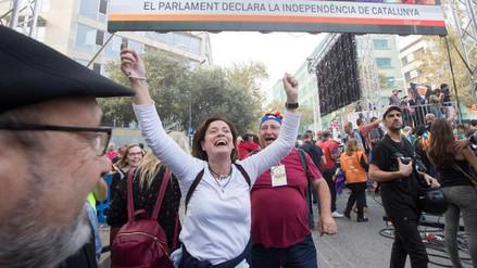 Miles de catalanes celebraron su declaración de independencia