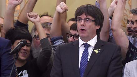 Puigdemont no aceptó su cese y pidió a los catalanes que se opongan al Gobierno español