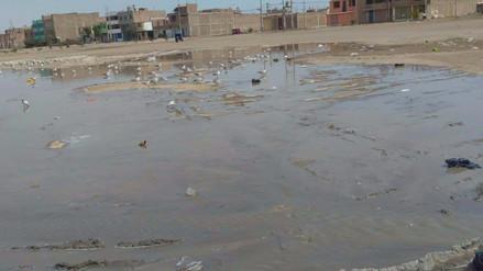 Vecinos de Ciudad del Chofer afectados por rotura de desagüe hace 4 meses