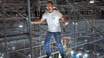 El escritor Santiago Roncagliolo entrenó con el elenco del Circo del Sol y lució irreconocible