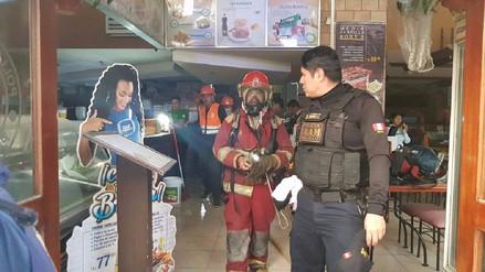 Incendio en pollería Rockys causó pánico entre comensales y trabajadores