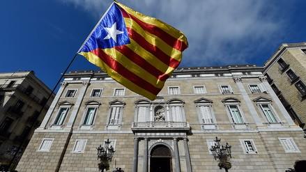 El Gobierno de España da unas horas para que exconsejeros catalanes dejen sus despachos