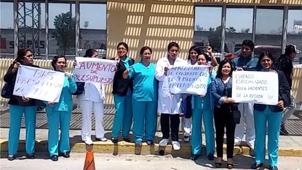 Realizan plantón por cierre de Unidad de Cuidados Intermedios
