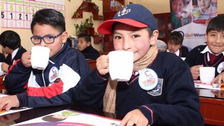 Qali Warma atiende con desayunos y almuerzos a escolares damnificados del Bajo Piura