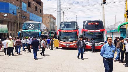 Transportistas del terminal de Huancayo protestan contra ilegales