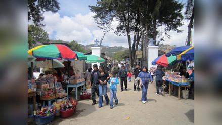 Comerciantes de cementerio de Cajamarca muestran malestar por desalojo