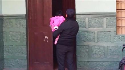 Bebé abandonada por madre en Halloween estará bajo cuidado del padre