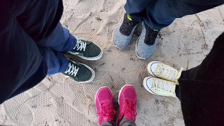 Adidas es la marca de zapatillas que más importa el Perú