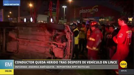 Un conductor sufrió un accidente al intentar atropellar a unos amigos
