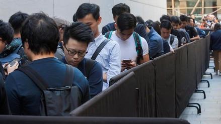 Largas colas en Pekín para conseguir el nuevo iPhone X