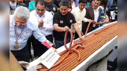 Huacho: preparan la salchicha huachana más grande del mundo